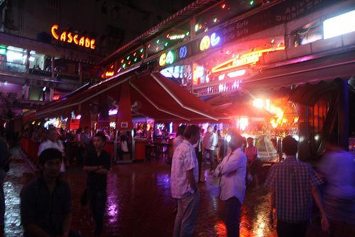 タイのゴーゴーバーで有名なナナプラザ